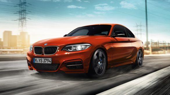 BMW 2er Coupé von links vorne