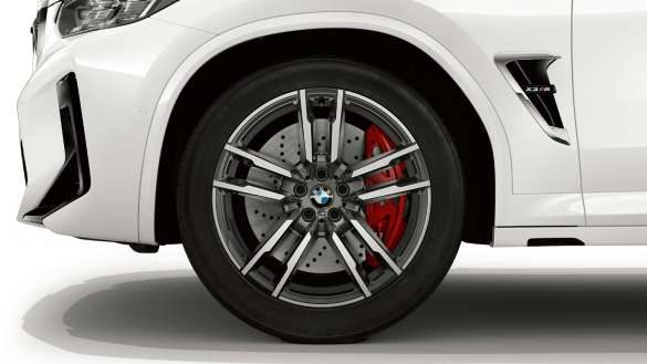 BMW X3 M F97 LCI Facelift 2021 Alpinweiß 20'' M Leichtmetallräder Doppelspeiche 764 M Nahaufnahme